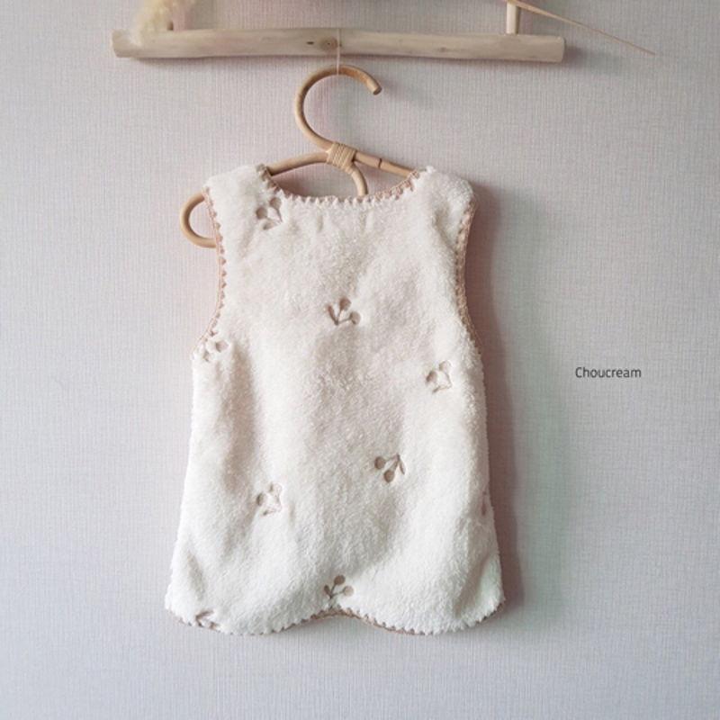 CHOUCREAM - Korean Children Fashion - #Kfashion4kids - Cherry Sleeping Vest - 11