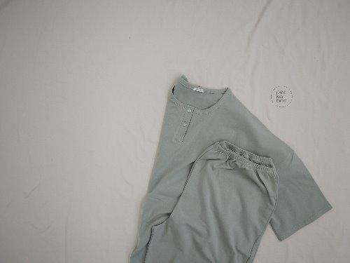 PEEKABOO - BRAND - Korean Children Fashion - #Kfashion4kids - Adult Modal Short Easywear