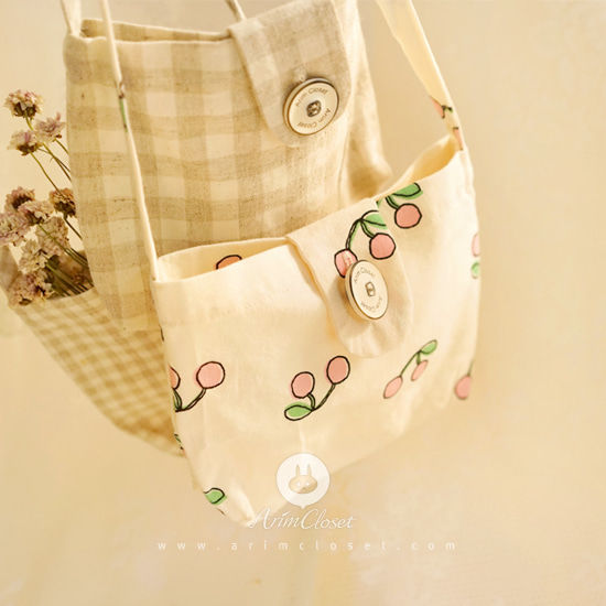 ARIM CLOSET - BRAND - Korean Children Fashion - #Kfashion4kids - Cherry Cross Mini Bag