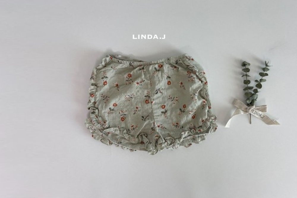 LINDA J - BRAND - Korean Children Fashion - #Kfashion4kids - Flower Frill Shorts