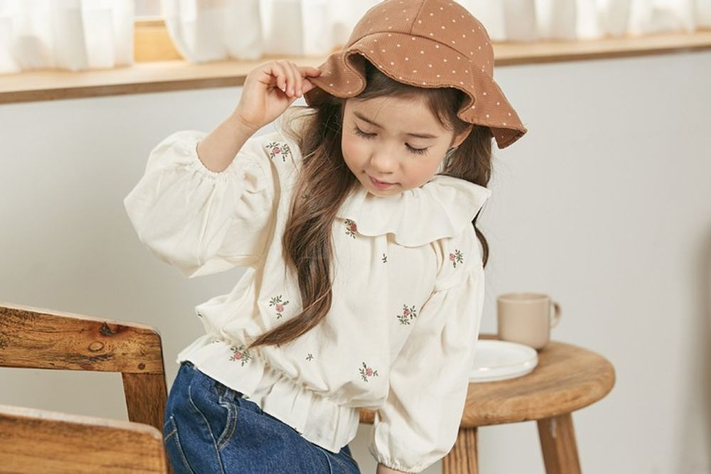 COCO RIBBON - BRAND - Korean Children Fashion - #Kfashion4kids - Flower Embroidery Blouse