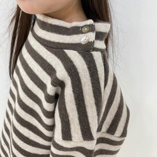 MELONSWITCH - Korean Children Fashion - #Kfashion4kids - Button Turtleneck Sweatshirt - 8