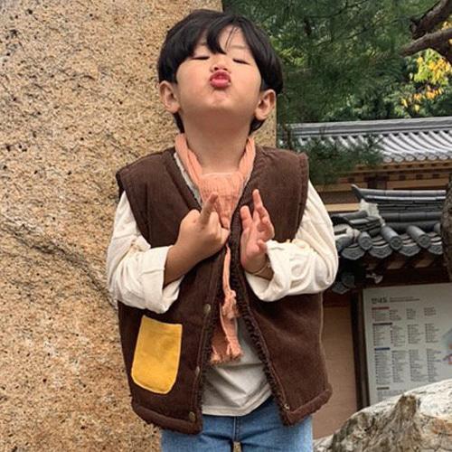 MOOI STORE - BRAND - Korean Children Fashion - #Kfashion4kids - Corduroy Reversible Vest
