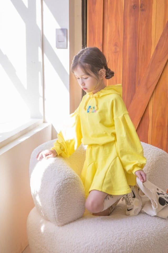 BERRY BERRY - Korean Children Fashion - #Kfashion4kids - Haribo Top Skirt Set