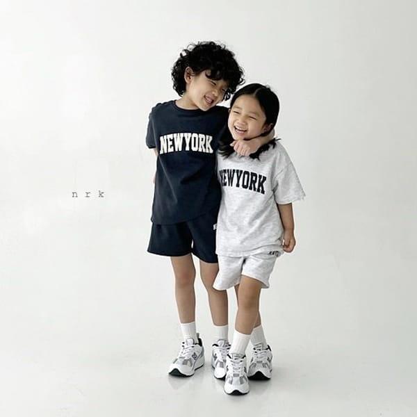 NRK - Korean Children Fashion - #Kfashion4kids - Cool New York Top Bottom Set
