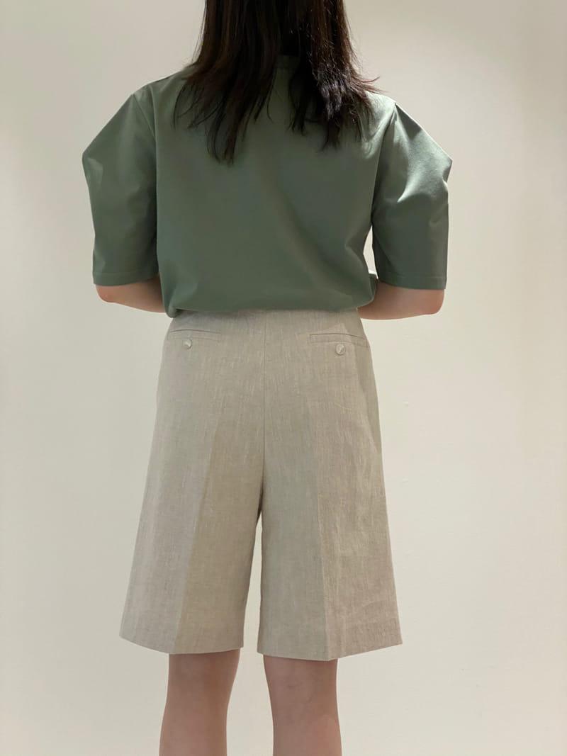 1968 - Korean Children Fashion - #Kfashion4kids - V Neck Sleeve Dart Tee - 2