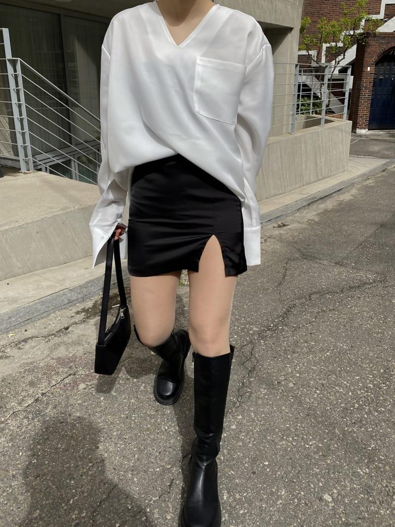 MONE - Korean Children Fashion - #Kfashion4kids - Caisson V-neck Shirt - 2