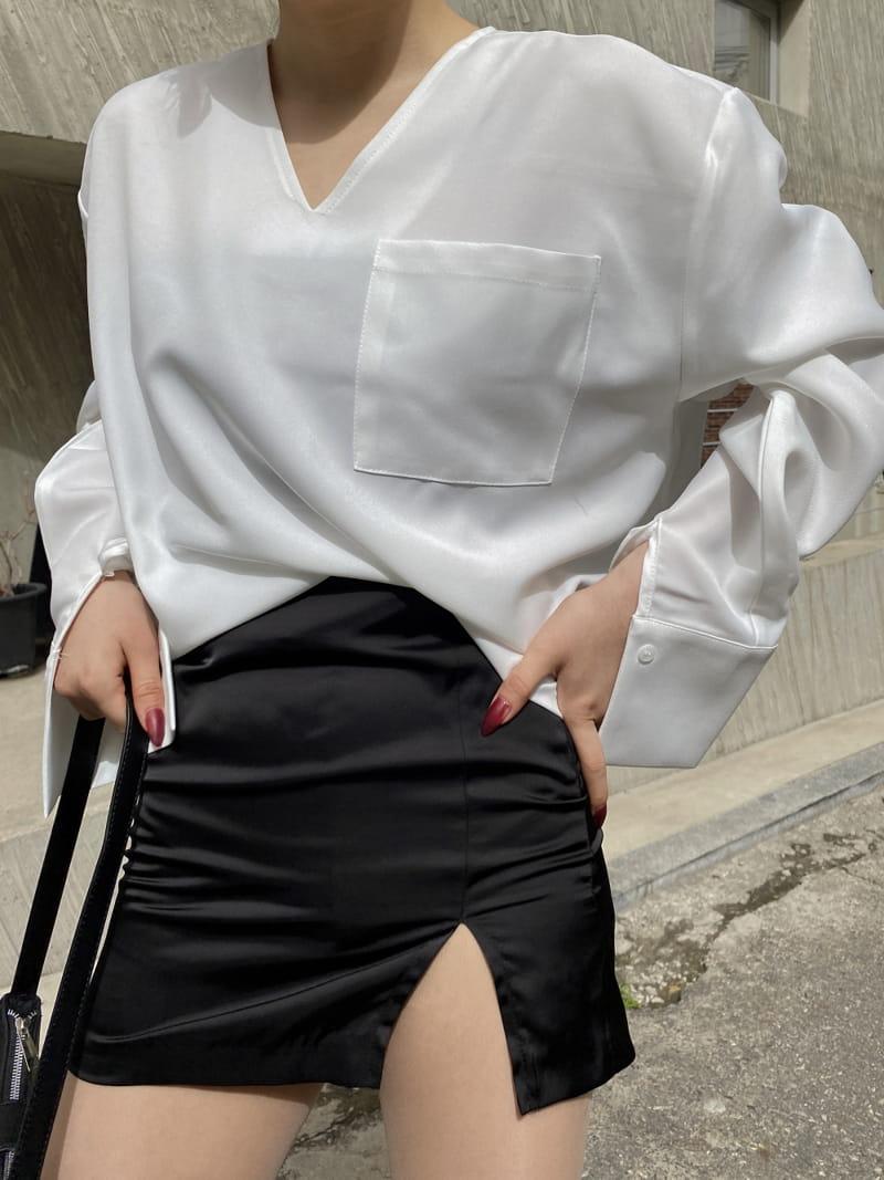 MONE - Korean Children Fashion - #Kfashion4kids - Caisson V-neck Shirt - 3
