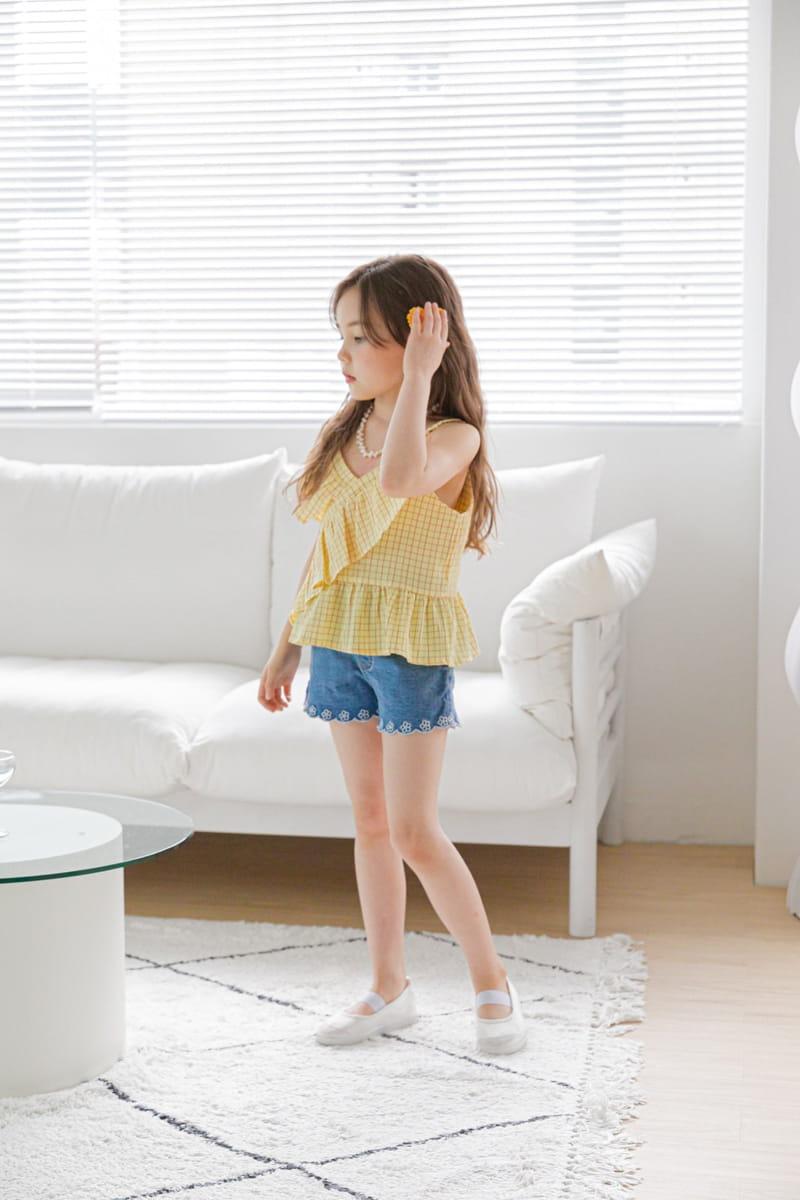 BERRY BERRY - Korean Children Fashion - #Kfashion4kids - Embroidery Denim Shorts - 11