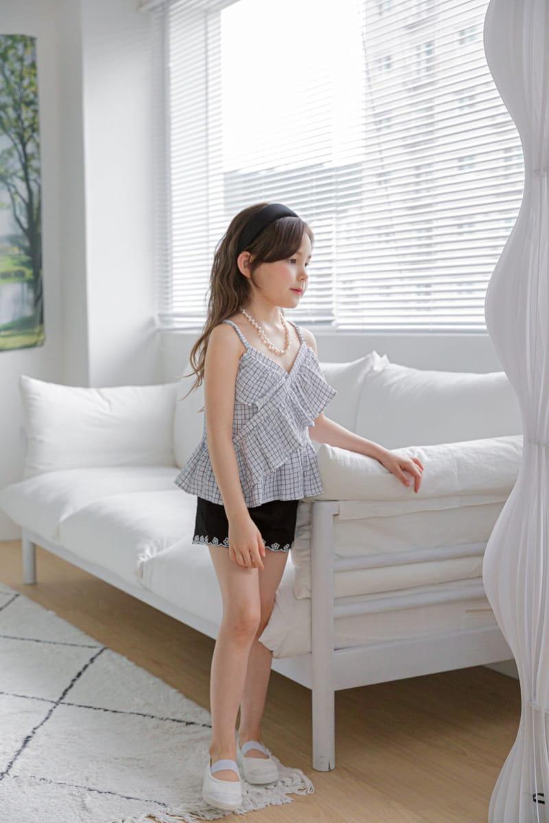 BERRY BERRY - Korean Children Fashion - #Kfashion4kids - Embroidery Denim Shorts - 3