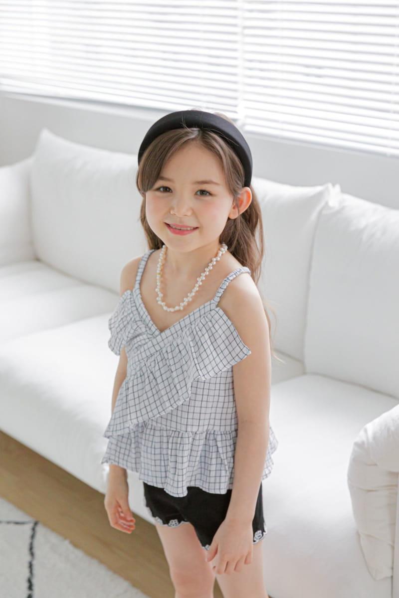 BERRY BERRY - Korean Children Fashion - #Kfashion4kids - Embroidery Denim Shorts - 8