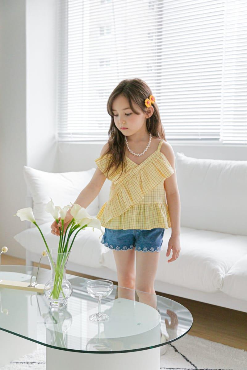 BERRY BERRY - Korean Children Fashion - #Kfashion4kids - Embroidery Denim Shorts - 9